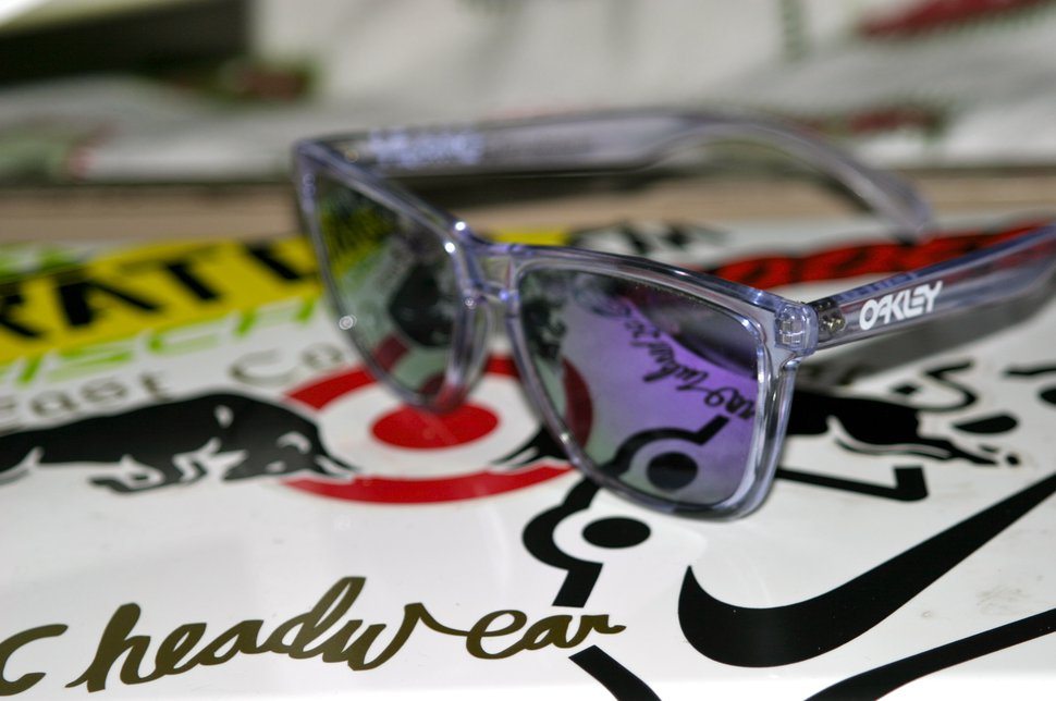 Clear and violet frogskins