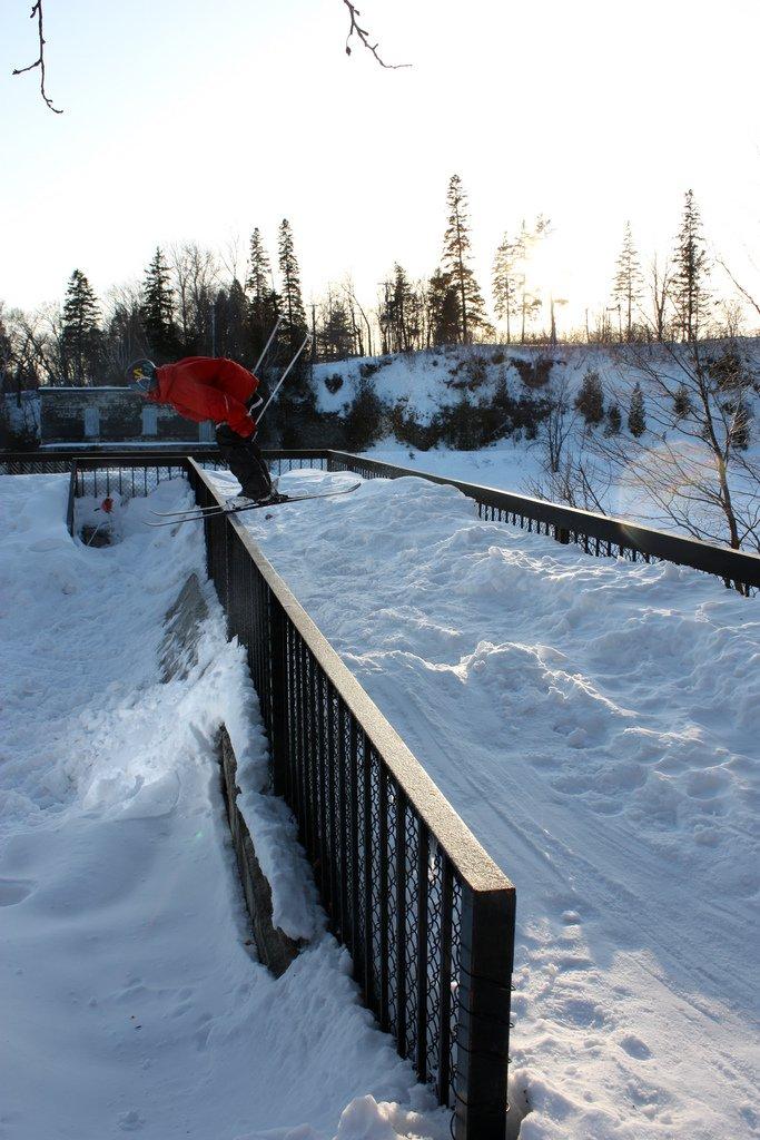 Quebec hip rail