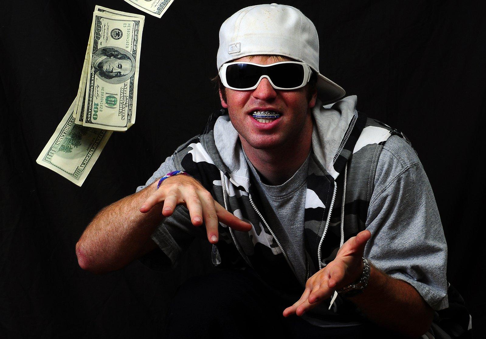 Throwin money