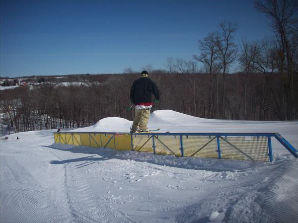 Rail slideing