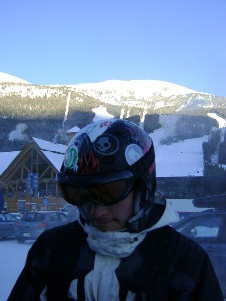 Lake Louise skiing day