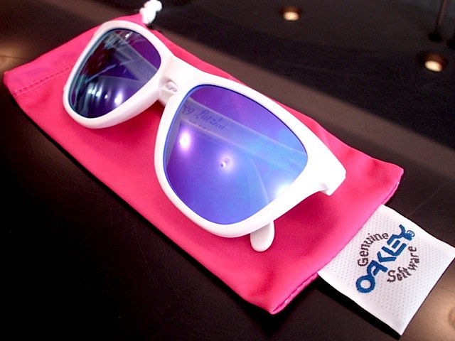 FROGSKINS  BEST OFFER TRADES PLUS CASH OR WHAT EVER..... LIKE OMFG!!!!!!
