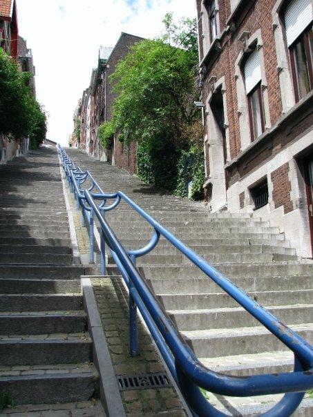 Infinite handrail