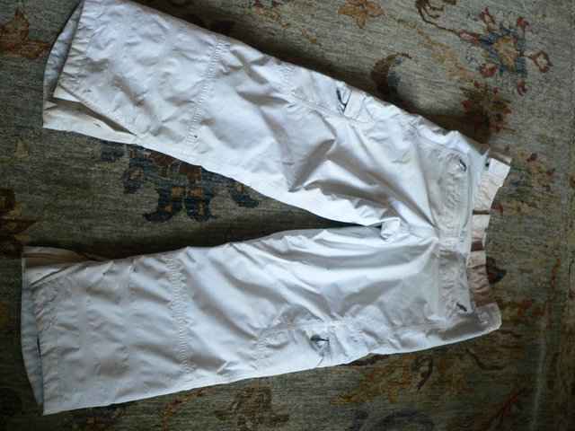 Back of white snowpants
