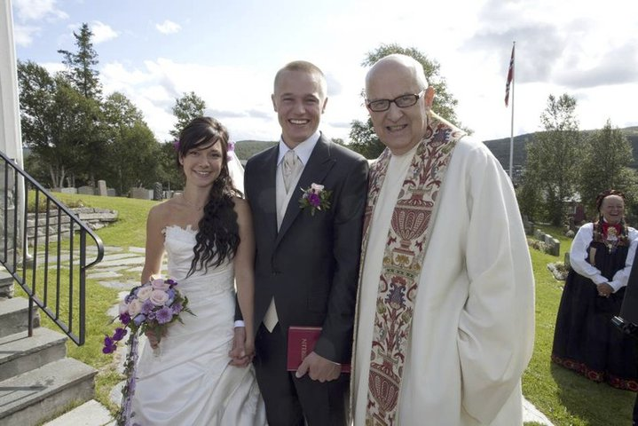 Andreas getting married