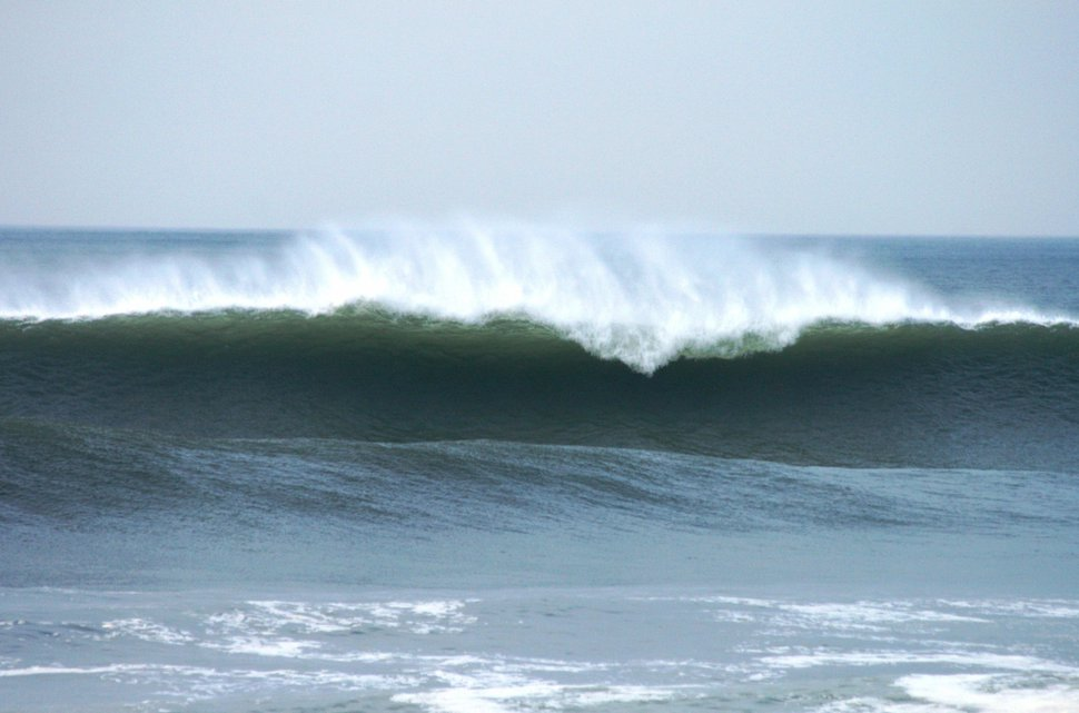 Offshore winds and noone out