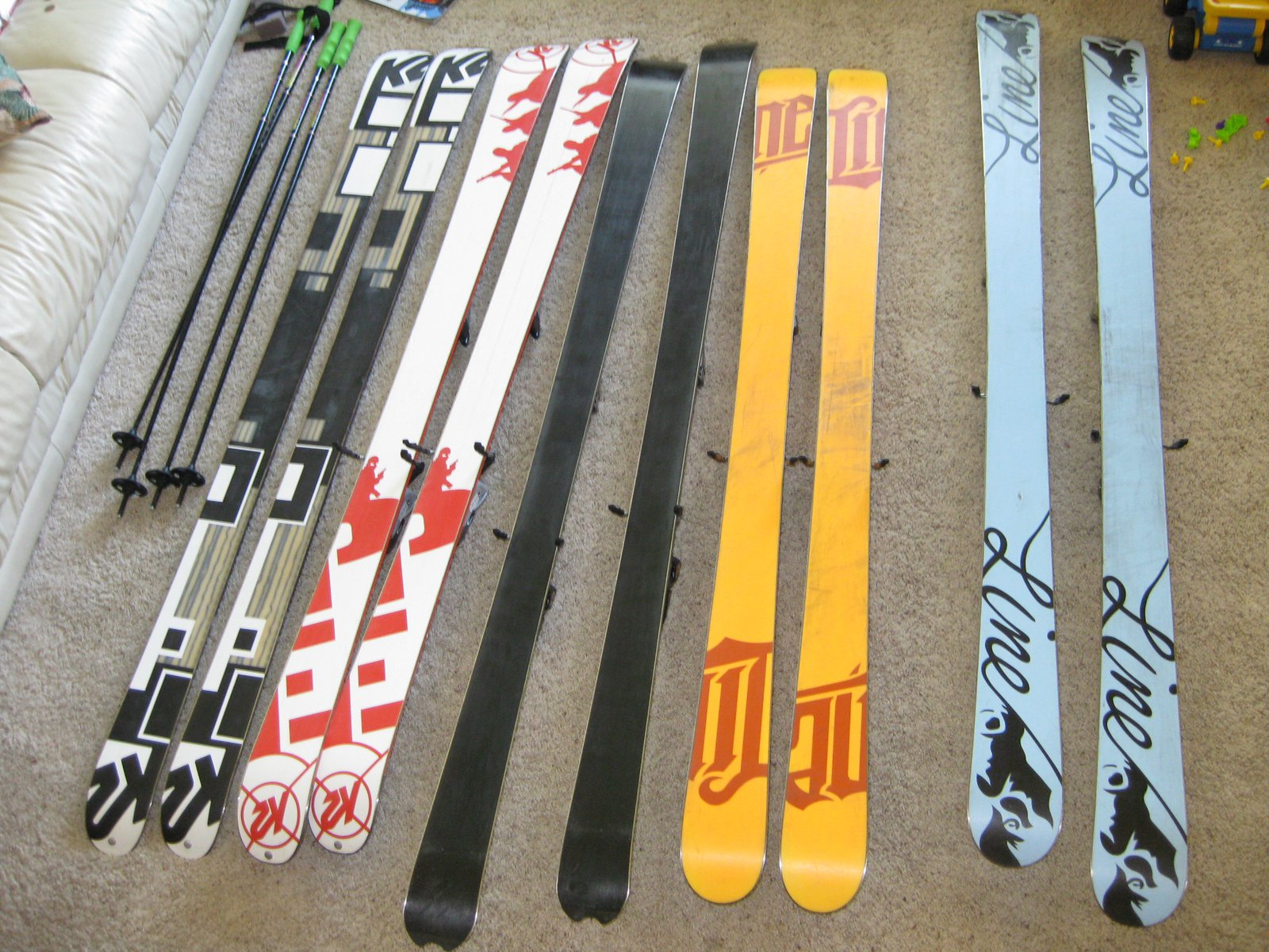 Bases of the skis.