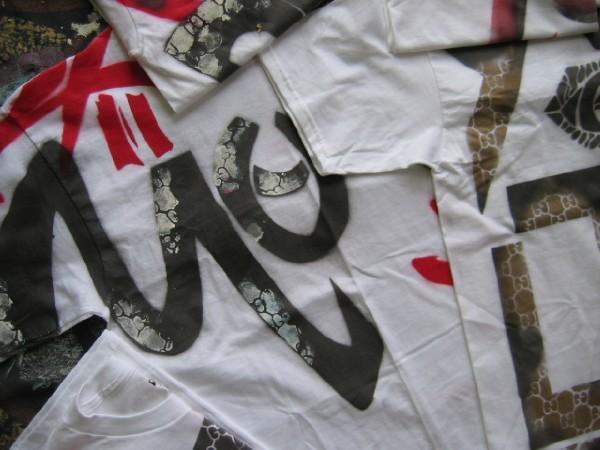 Yor19