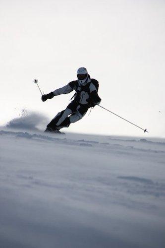 Telemarkstyle in Jotunheimen, Norway:)