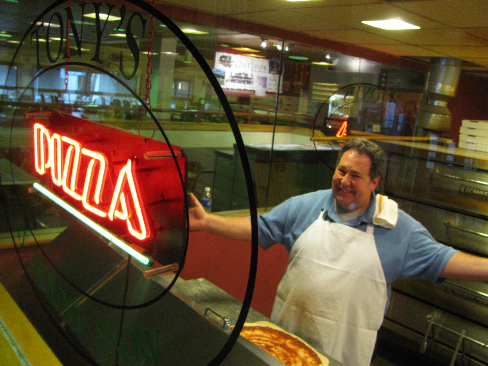 Tony's Pizza!