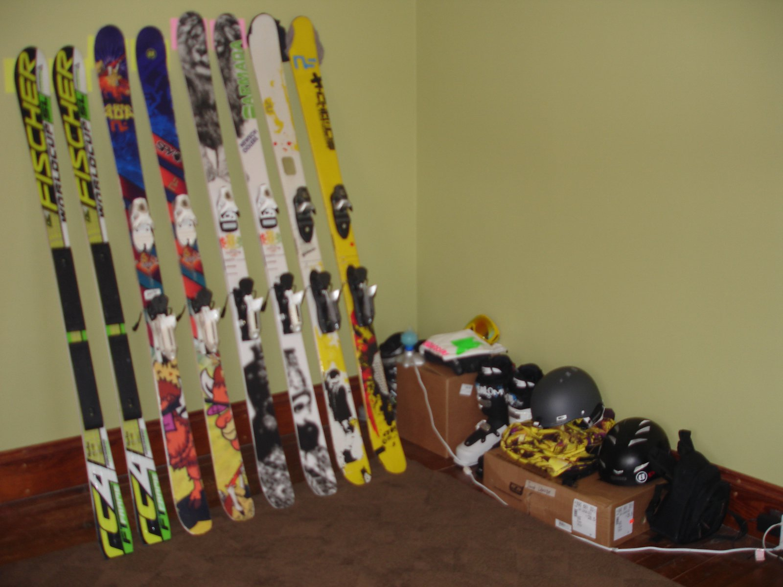 Ski gear and skis