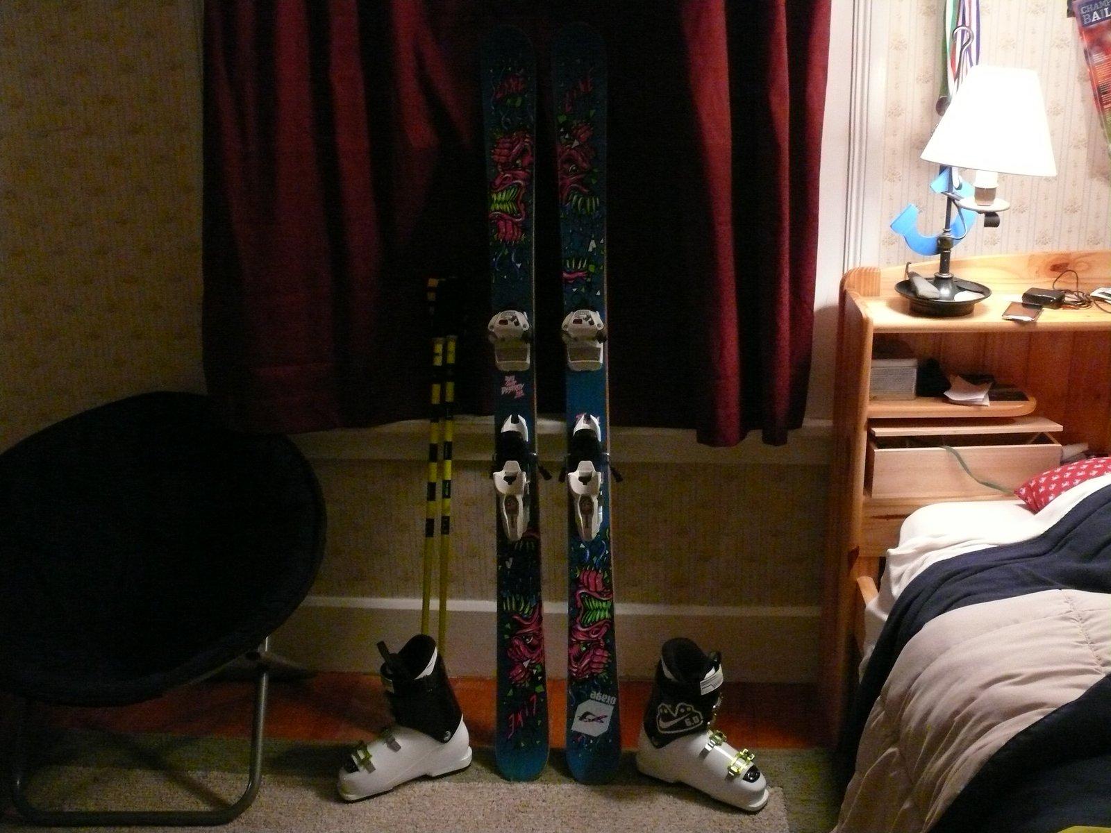 Ski stuff - 1 of 10