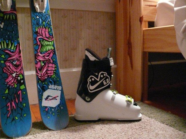 Ski stuff - 9 of 10
