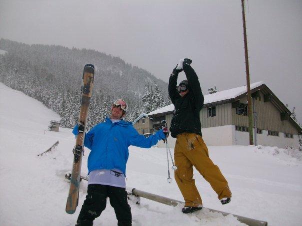 ARTificial. Ski Company