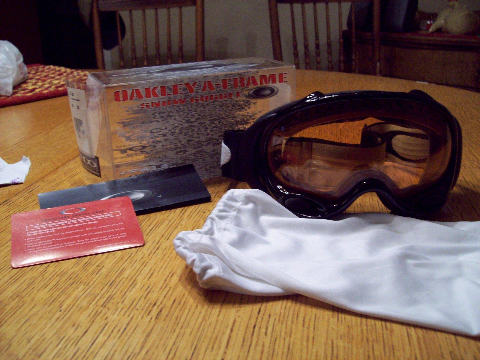 Oakley A Frame Persimmon lens