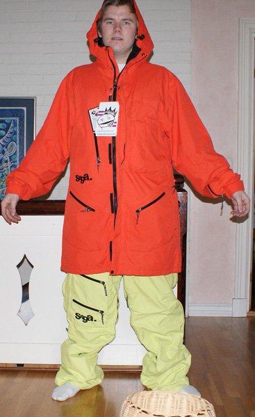 Saga suit closed front