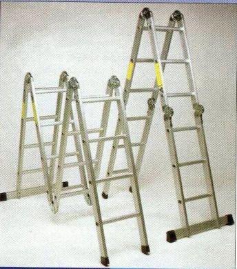 3 Hinge folding step ladder.