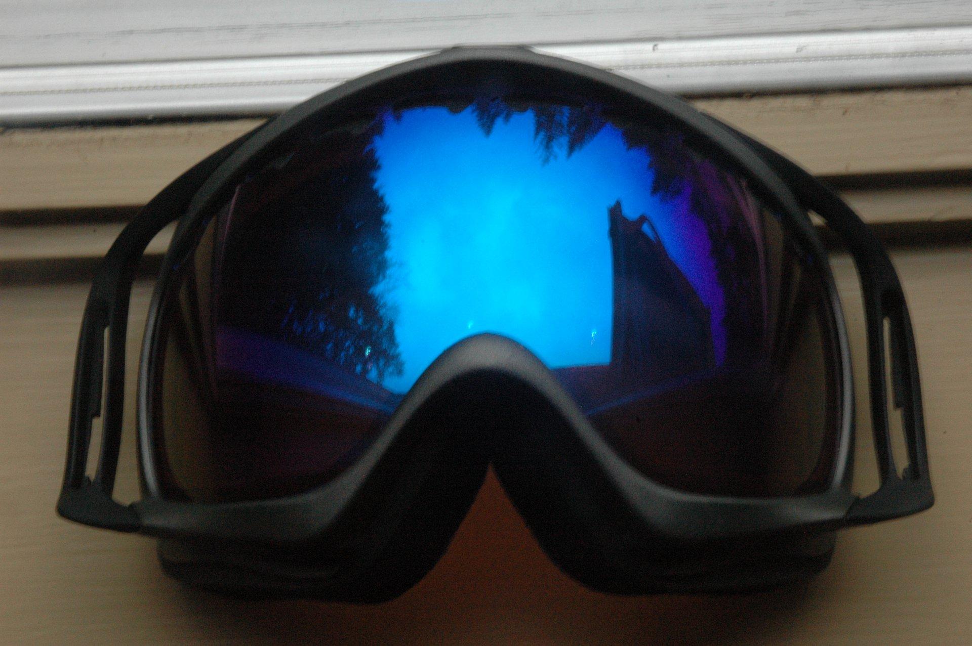 Blue irid grey frame black outriggers