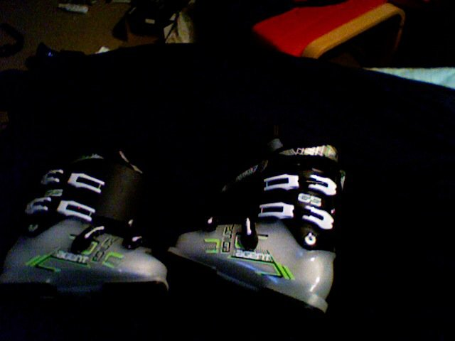 Agent boots 25.5