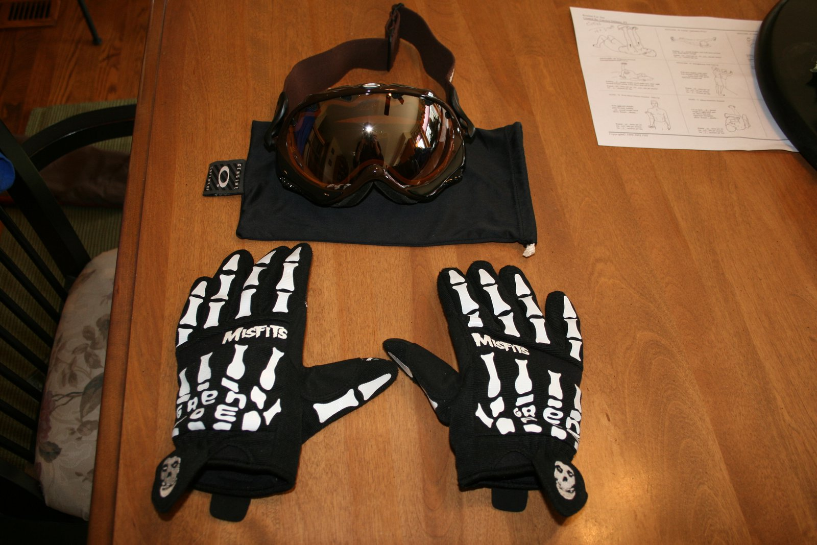 Oakley wisdom goggles and grenade park gloves