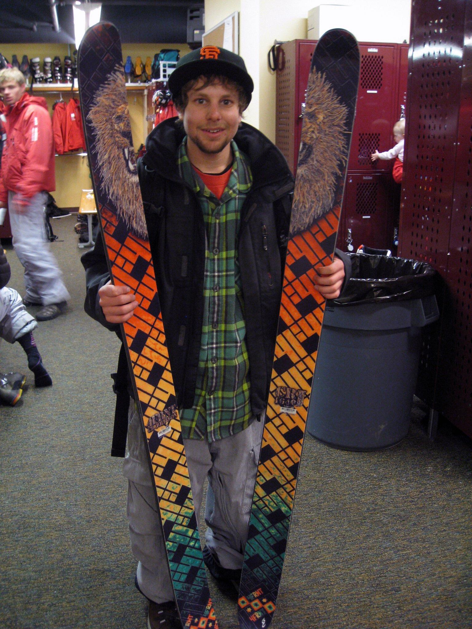 New Ski Stokage