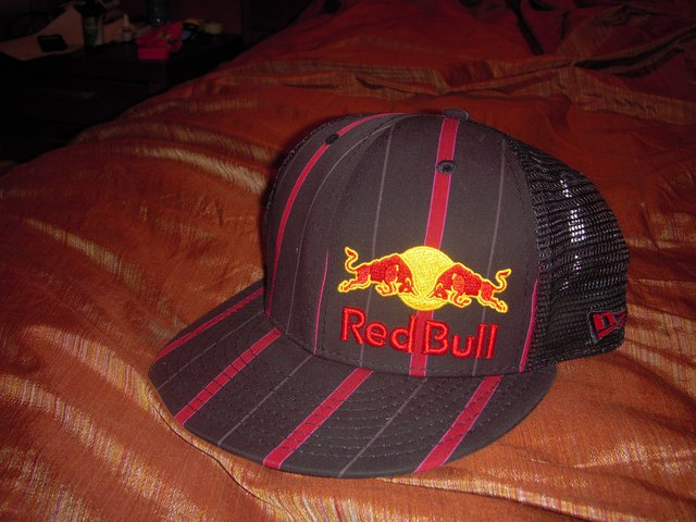 Red bull hat ld