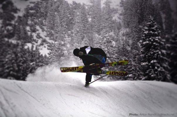 Moment Skis. Hand drag