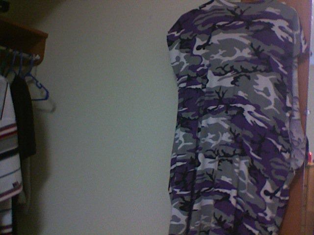 Sleevless 4XLT Purple camo Tee