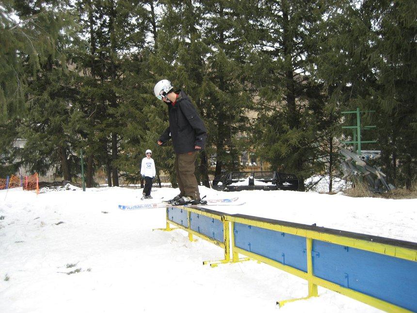Double rail