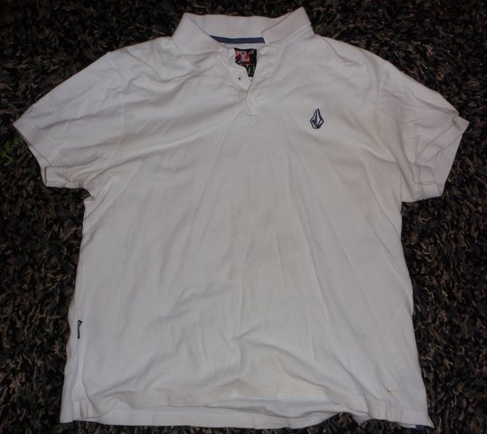White xl volcom polo