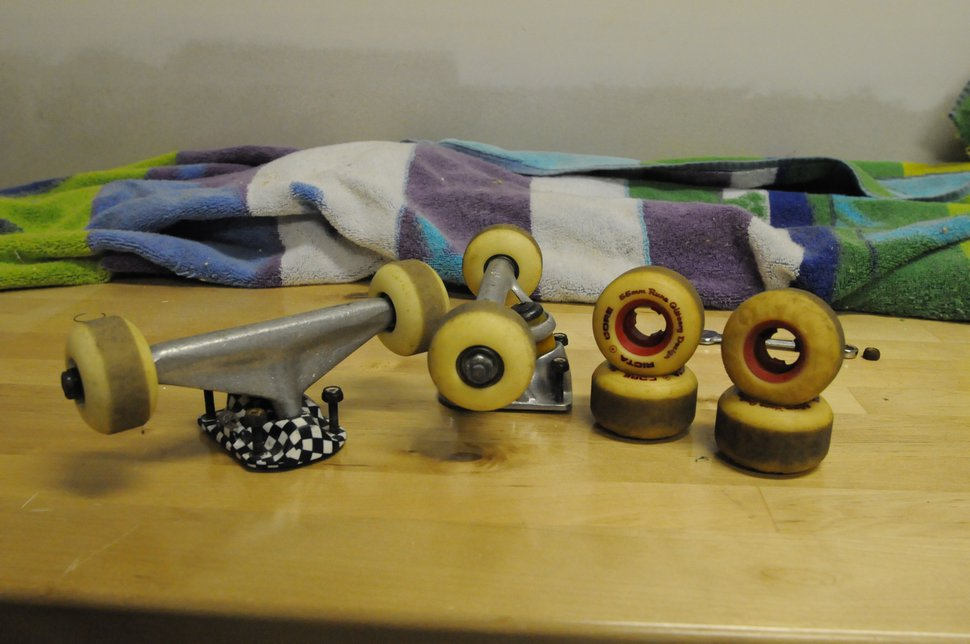 Trucks and wheels for thread