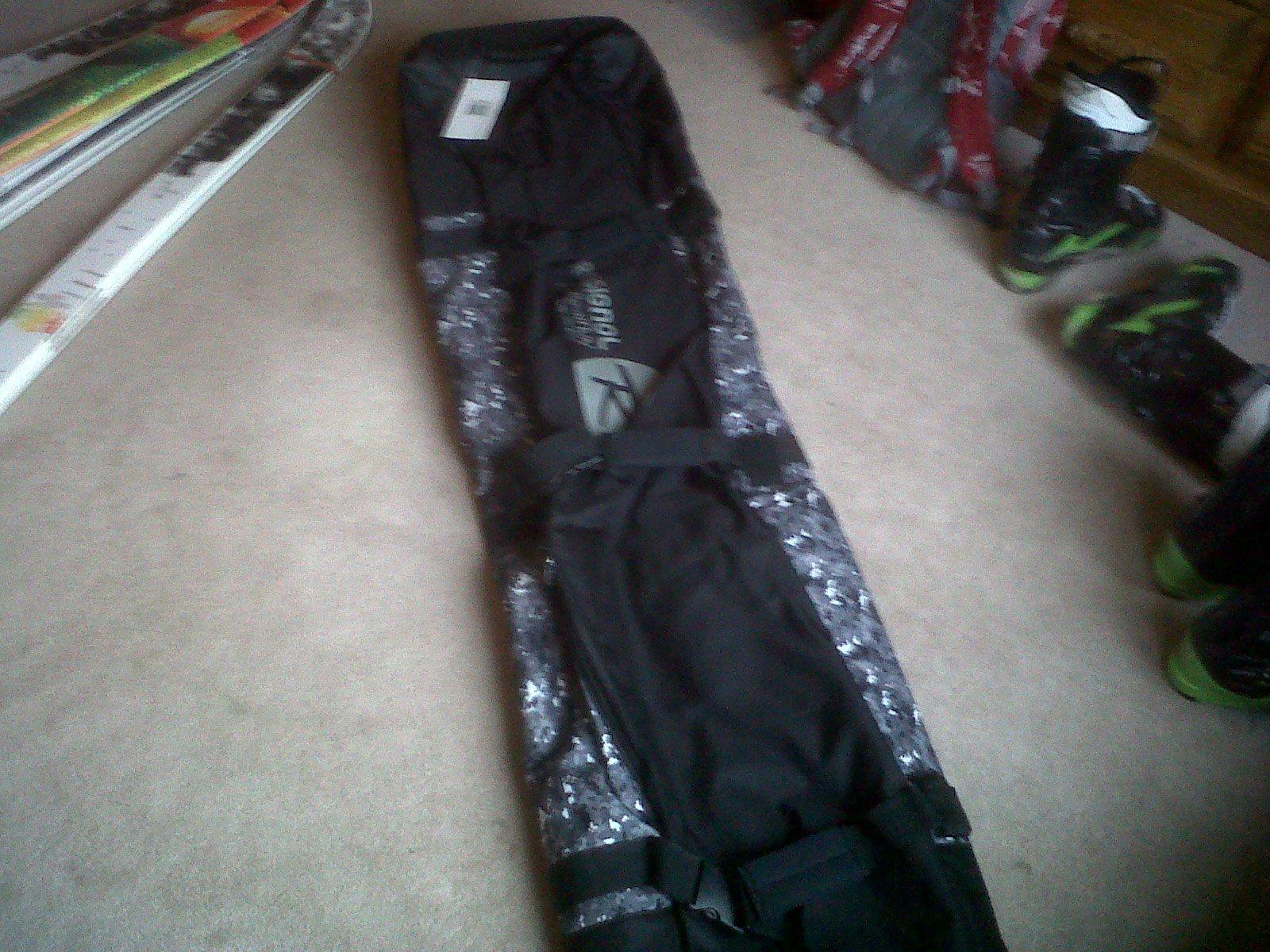 Rossingol ski bag for sale, check thread