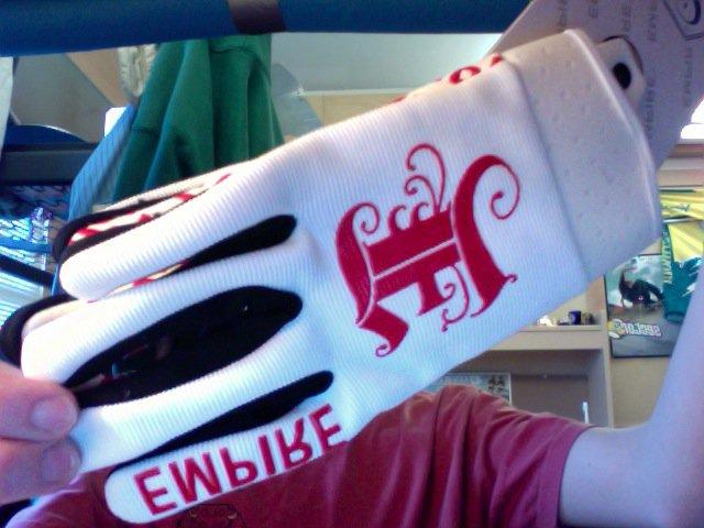 Empire spring gloves