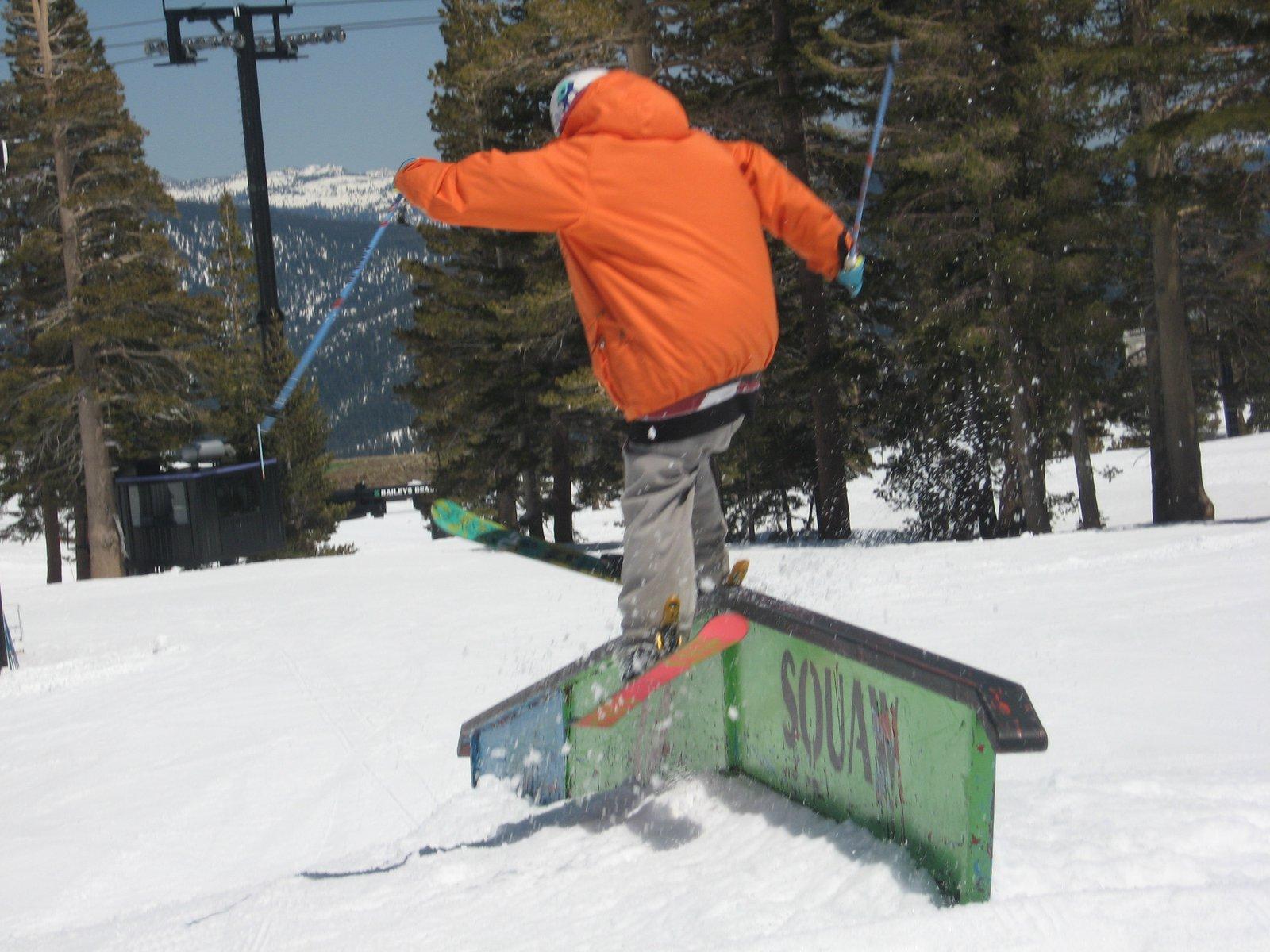 Ski slide to failll