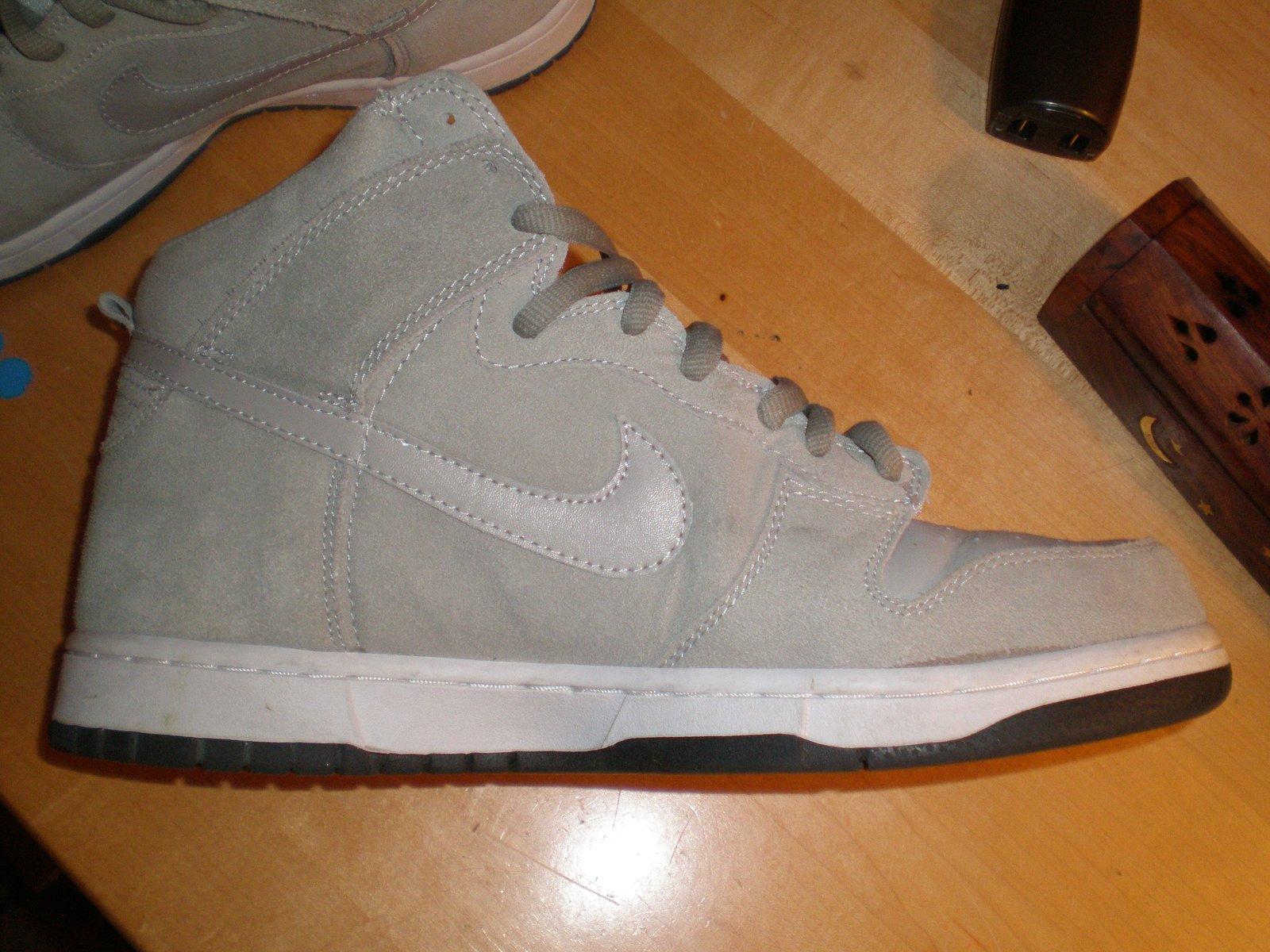 Nikes 4