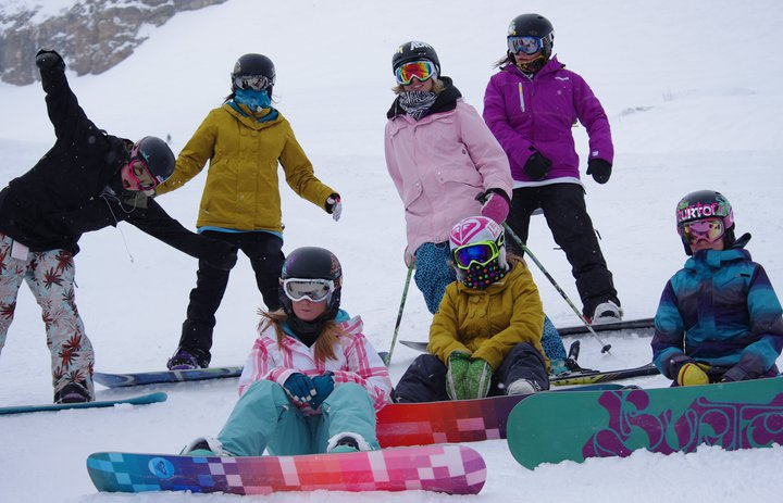 Cool snowboarders...