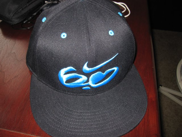 Selling nike 6.0 hat