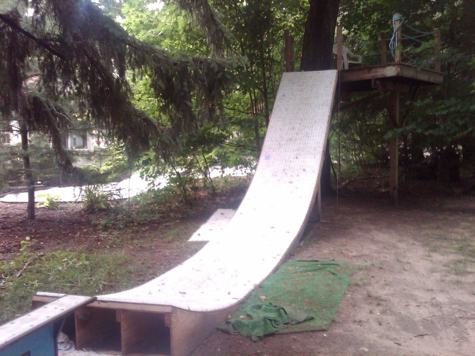 MSnow treehouse drop in