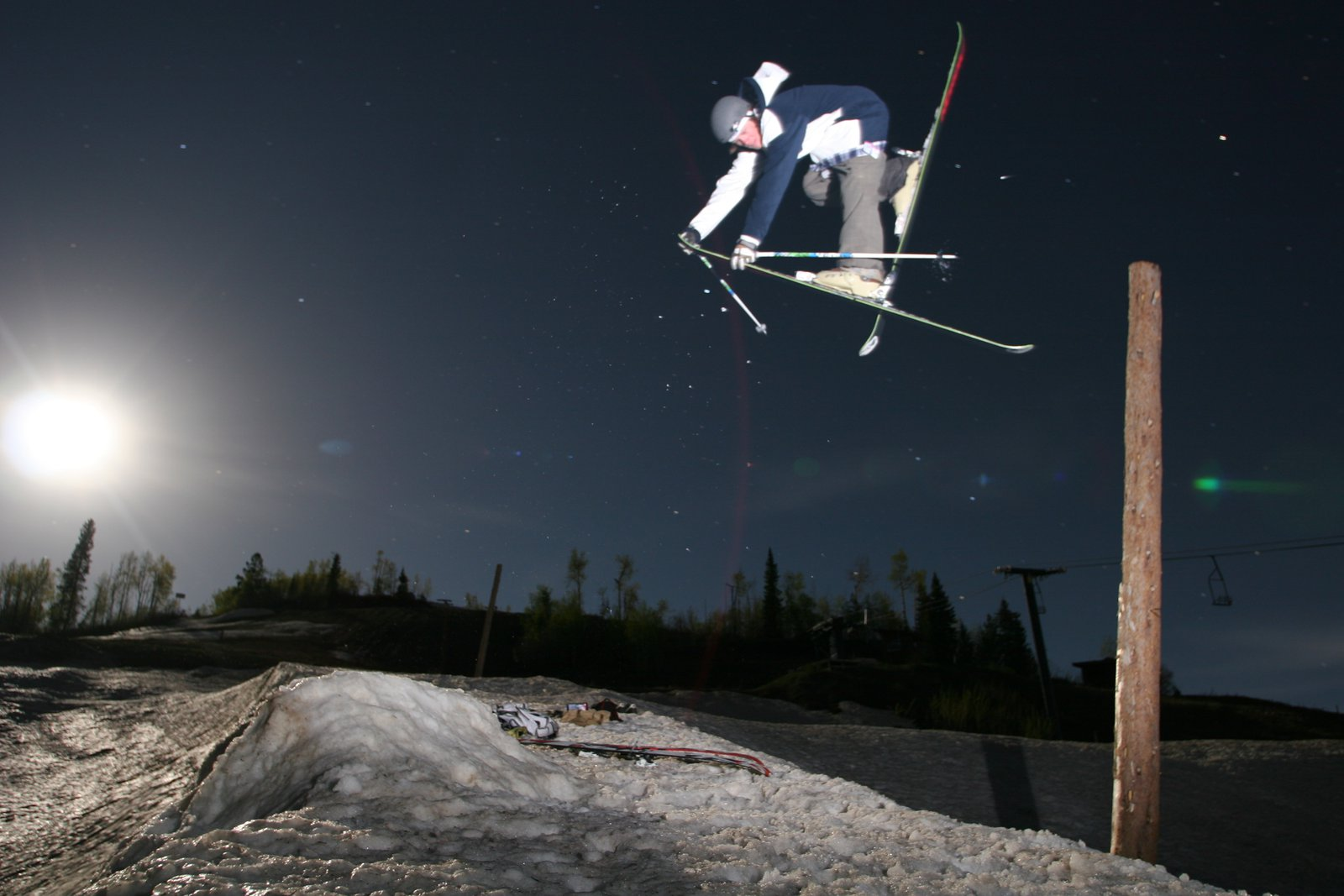 Moon Light Skiing