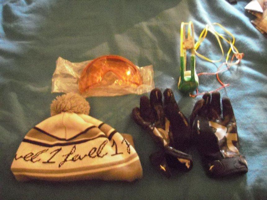 Gloves, hat, cbar lenses, and skullcandy icons for sale