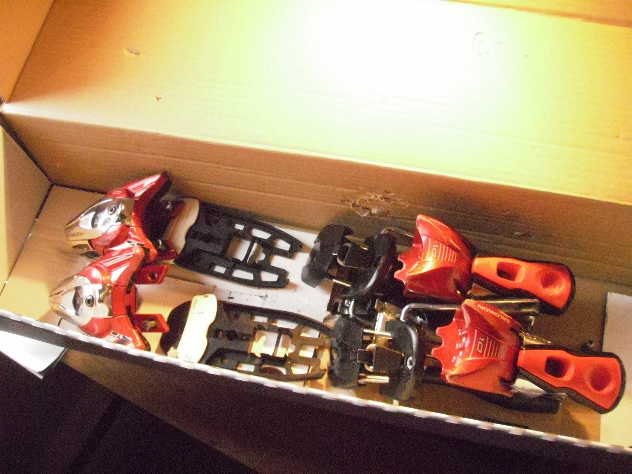 Salomon z10 Red Bindings, used for 1 season