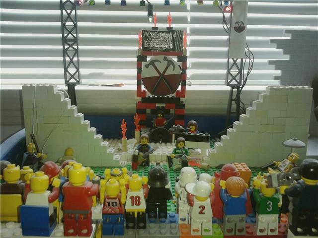 """Lego Pink Floyd """"The Wall"""""""