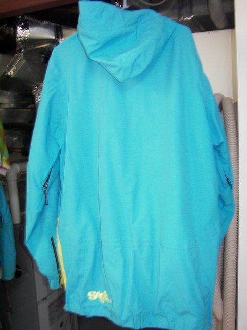 Large Saga Hybrid Jacket Back