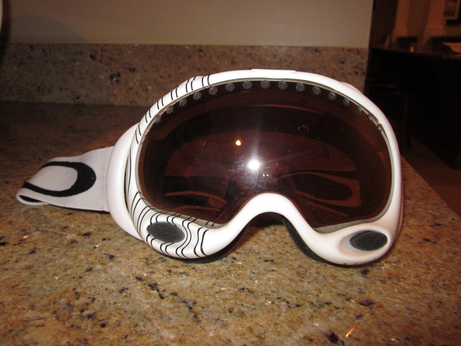 Oakley Shaun White Signature For Sale