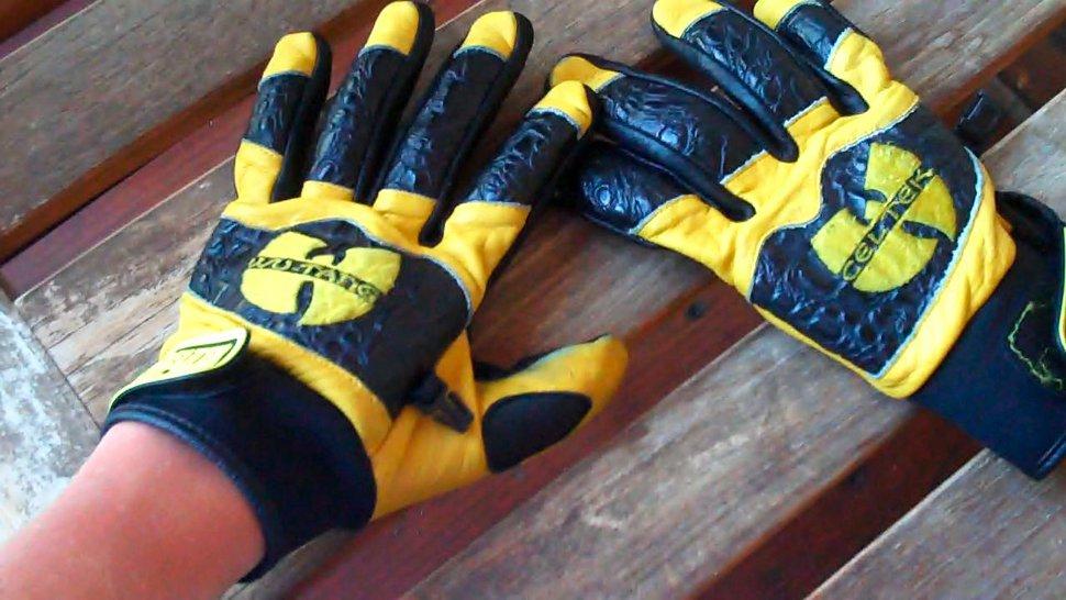 Wu gloves