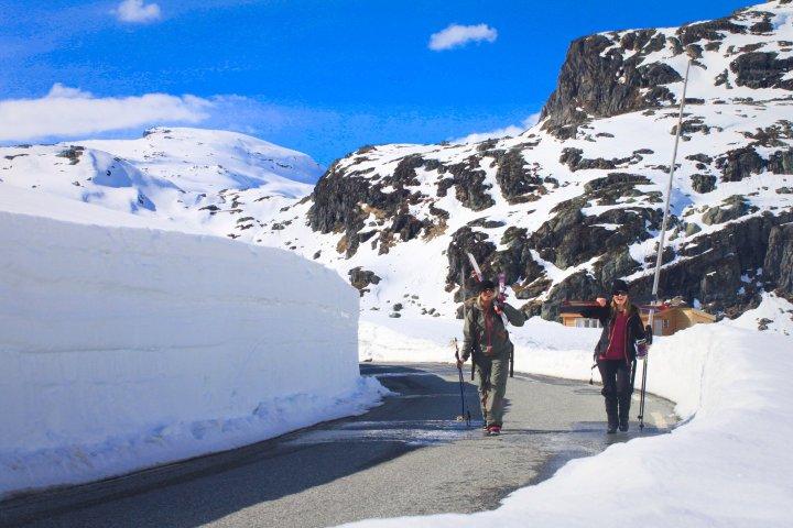 Happy Bigmountain- crosscountry skiers