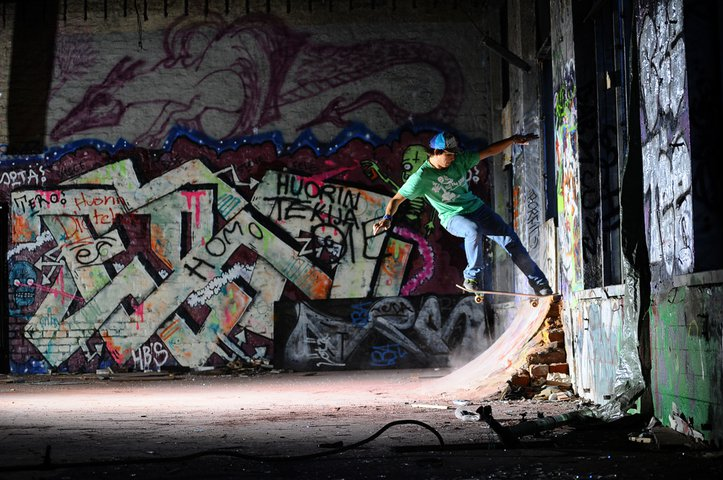 Skateboarding action with Mikael Ashorn