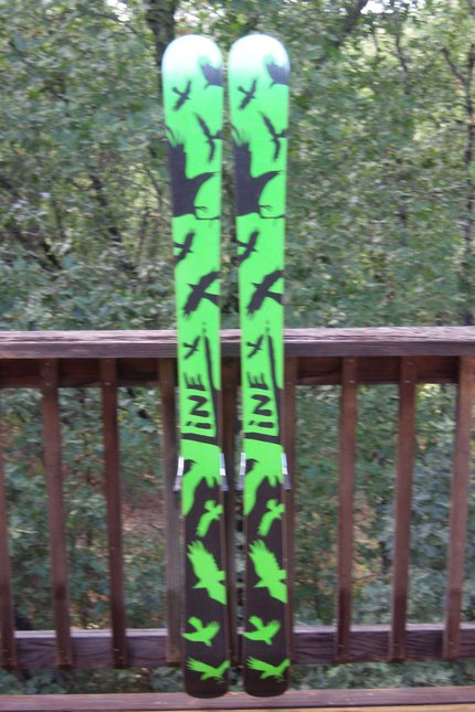 LINE CHRONIC PARK SKIS 156 (Backside)
