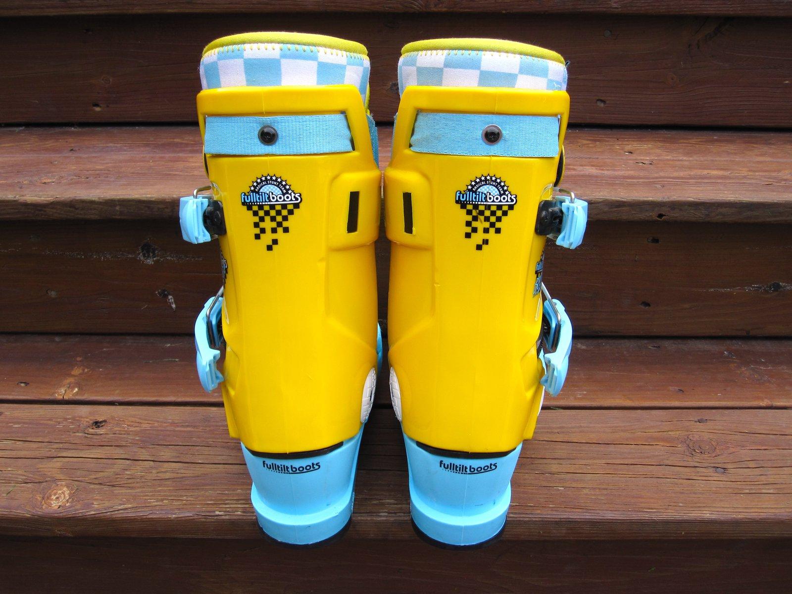 Fulltilt booters size 26.5