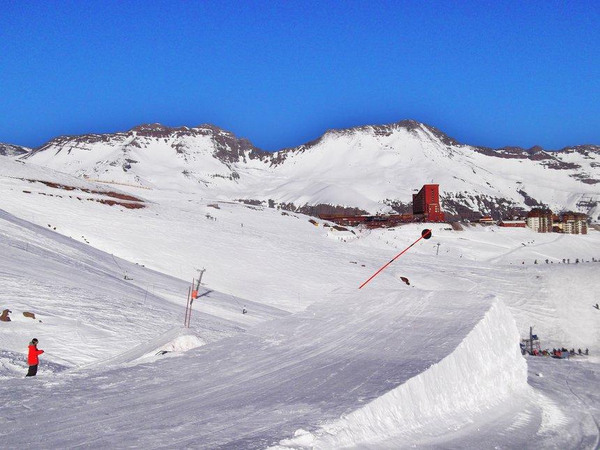Valle nevado - 2 of 2